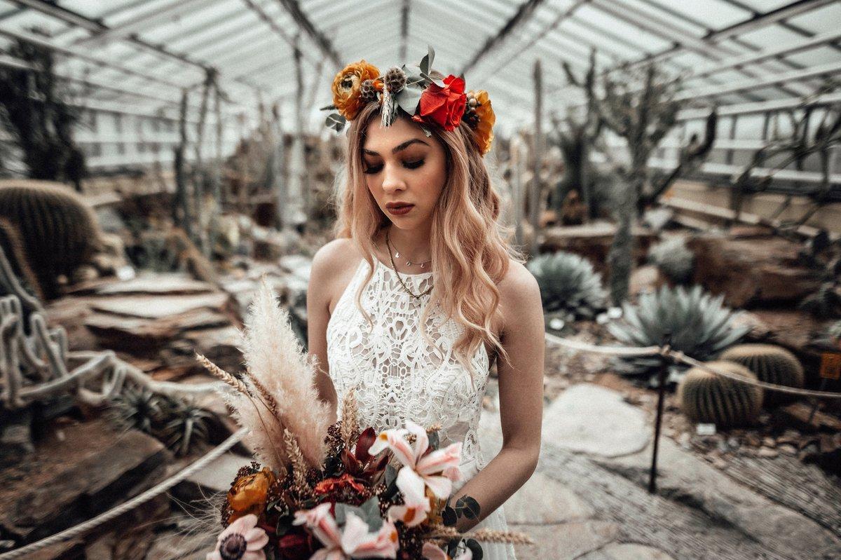 Boho wellen mit Blumenkranz