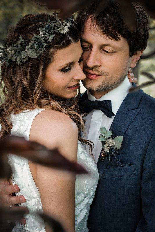 Brautstyling mit Blumekranz